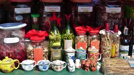 Tee und Kandiertes in Nordthailand