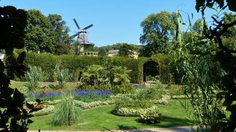 Sizilianischer Garten und historische Mühle