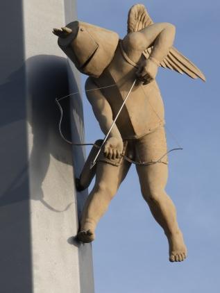 Amor, der Venussohn und Liebesschütze, hat in Meersburg oft seinen Pfeil von der Sehne geschnellt.